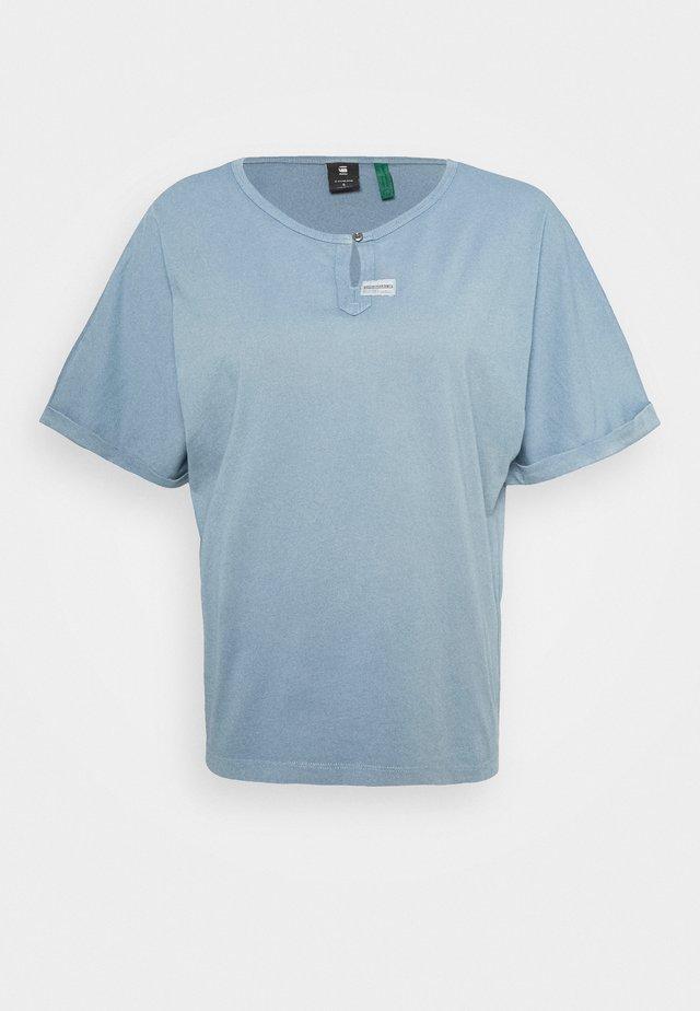 JOOSA - Basic T-shirt - dark laundry blue