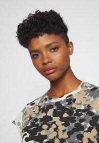 G-Star - GYRE AO KNOT R T WMN CAP SL - Print T-shirt - khaki/olive - 3