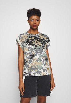 GYRE AO KNOT R T WMN CAP SL - T-shirts med print - khaki/olive