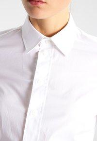 G-Star - CORE SLIM SHIRT  L/S - Overhemdblouse - white - 3