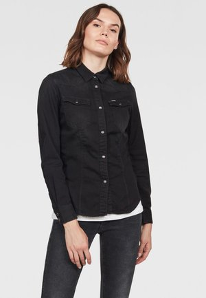 3301 - Button-down blouse - medium aged