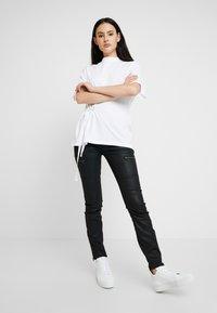 G-Star - DISEM LOOSE R T WMN S/S - T-shirt med print - white - 1
