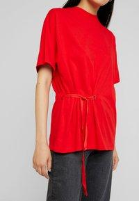 G-Star - DISEM LOOSE R T WMN S/S - T-shirt med print - acid red - 5