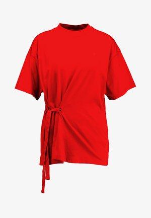 DISEM LOOSE R T WMN S/S - Print T-shirt - acid red