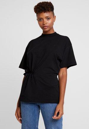 DISEM LOOSE R T WMN S/S - T-shirt med print - black