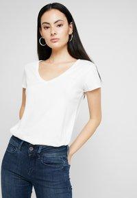 G-Star - GRAPHIC 2 V T WMN S\S - T-shirt basic - milk - 0