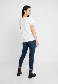 G-Star - GRAPHIC 2 V T WMN S\S - T-shirt basic - milk - 2