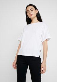G-Star - GRAPHIC 16 JOOSA V T S/S - Basic T-shirt - white - 0