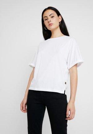 GRAPHIC 16 JOOSA V T S/S - T-shirt - bas - white