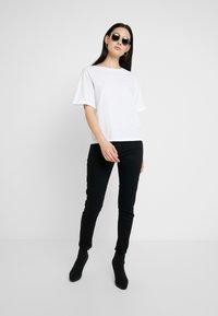 G-Star - GRAPHIC 16 JOOSA V T S/S - Basic T-shirt - white - 1