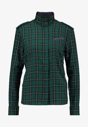 LANC STRAIGHT SHIRT WMN L\S - Overhemdblouse - vermont pine/dark black
