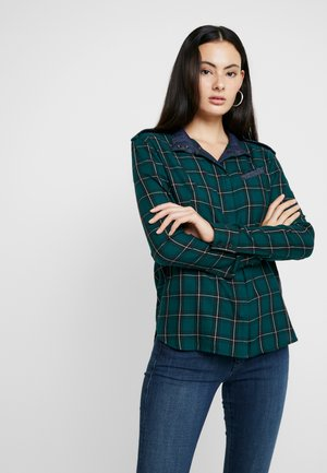 LANC STRAIGHT SHIRT WMN L\S - Button-down blouse - vermont pine/dark black