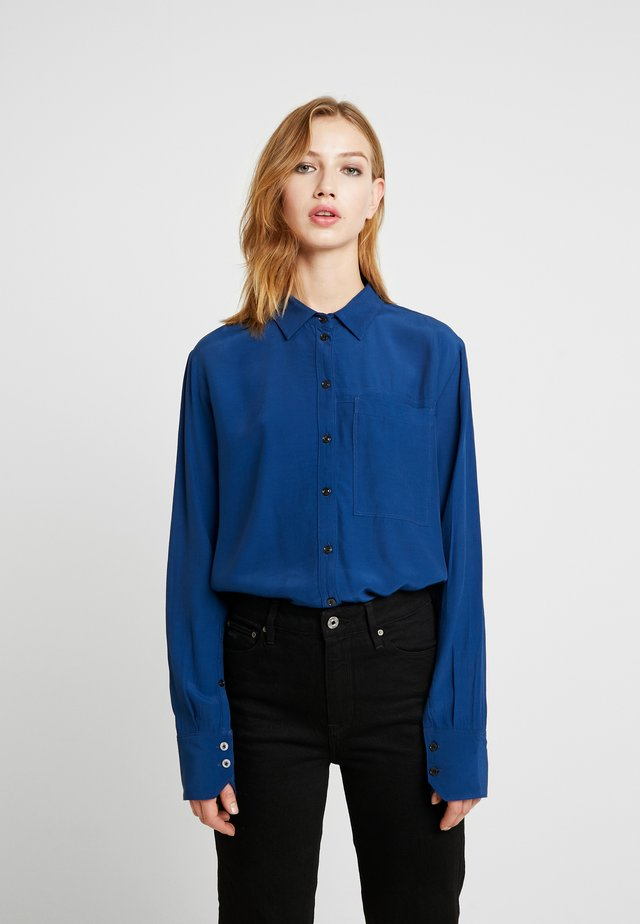 CORE STRAIGHT SHIRT - Button-down blouse - pacific