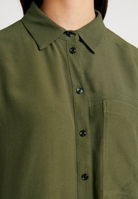 G-Star - CORE STRAIGHT SHIRT - Button-down blouse - combat - 4