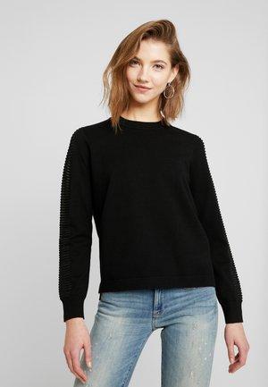 GUZAKI - Stickad tröja - black
