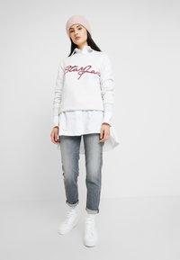 G-Star - GRAPHIC 4 BF R SW WMN L/S - Sweatshirt - white heather - 1