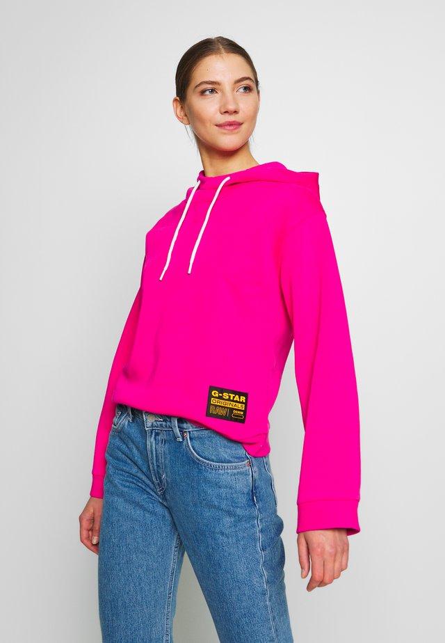 BILBI BOX LOGO - Jersey con capucha - bright rebel pink