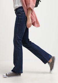 G-Star - MIDGE MID BOOTCUT - Jean bootcut - neutro stretch denim - 3