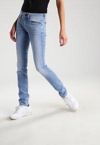 G-Star - LYNN MID SKINNY - Jeans Skinny Fit - lt aged - 0