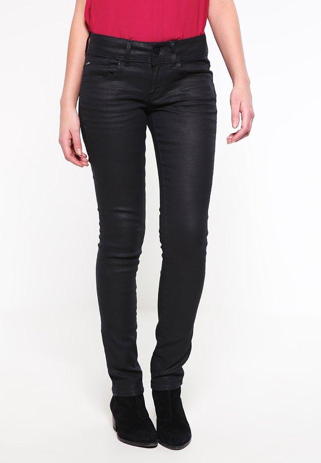 LYNN MID SKINNY - Jeans Skinny Fit - pintt fem black stretch denim