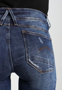 G-Star - LYNN MID SUPER SKINNY  - Jeans Skinny Fit - trender ultimate stretch denim - 5