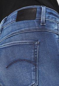 G-Star - SHAPE HIGH SUPER SKINNY - Jeans Skinny Fit - medium aged - 3