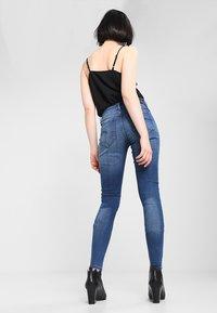 G-Star - SHAPE HIGH SUPER SKINNY - Jeans Skinny Fit - medium aged - 2