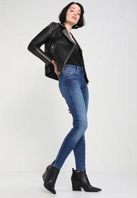 G-Star - SHAPE HIGH SUPER SKINNY - Jeans Skinny Fit - medium aged - 1