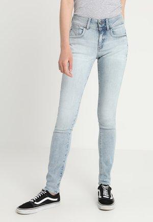 LYNN MID SKINNY NEW - Jeans Skinny Fit - lt aged