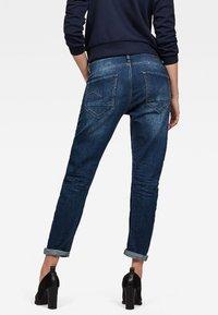 G-Star - ARC 3D LOW BOYFRIEND - Relaxed fit jeans - blue denim - 1