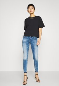 G-Star - LYNN MID SKINNY RP ANKLE WMN - Jeansy Skinny Fit - sun faded azurite - 1