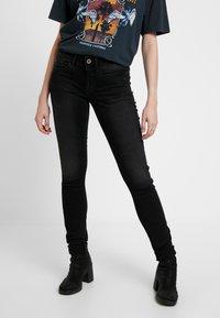 G-Star - LYNN MID SKINNY WMN - Jeans Skinny Fit - dusty grey - 0