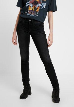 LYNN MID SKINNY WMN - Jeans Skinny - dusty grey