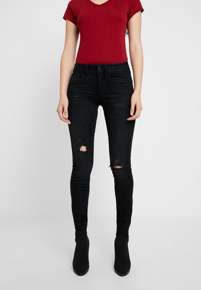 LYNN MID - Jeans Skinny Fit - worn in ripped lava