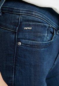 G-Star - LYNN MID SUPER SKINNY  - Jeans Skinny Fit - worn in naval - 5