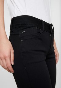 G-Star - LYNN MID SUPER SKINNY  - Jeans Skinny - pitch black - 5