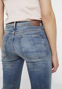 G-Star - 3301 HIGH FLARE - Flared jeans - medium aged - 5