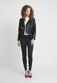 G-Star - ASHTIX ZIP HIGH SUPER SKINNY ANKLE WMN - Jeans Skinny Fit - premium cobler charcoal - 2