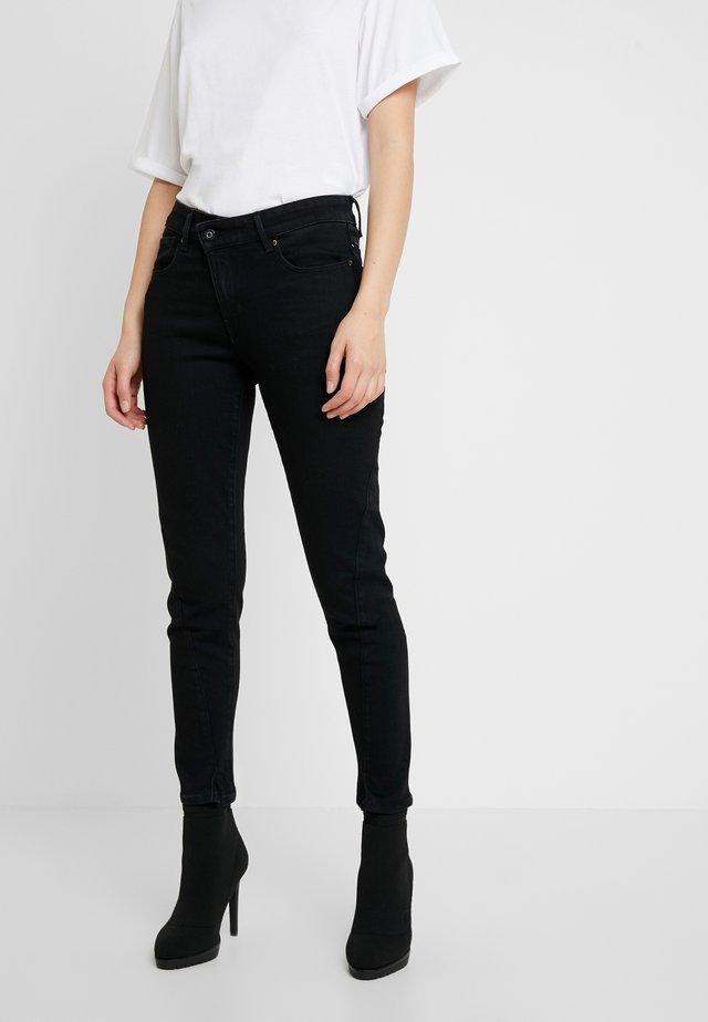 JOCI 3D MID SLIM - Jeans Slim Fit - jet black