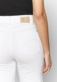 G-Star - TEDIE ULTRA HIGH RIPPED ANKLE - Straight leg jeans - milk - 5