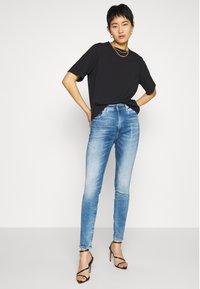 G-Star - KAFEY ULTRA HIGH SKINNY - Jeans Skinny Fit - sun faded azurite - 1