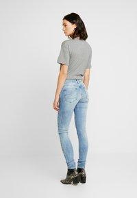 G-Star - 3301 MID SKINNY - Jeans Skinny Fit - faded blue - 2