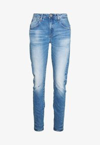 G-Star - ARC 3D LOW BOYFRIEND - Jeans Tapered Fit - azure stretch denim authentic faded blue - 4