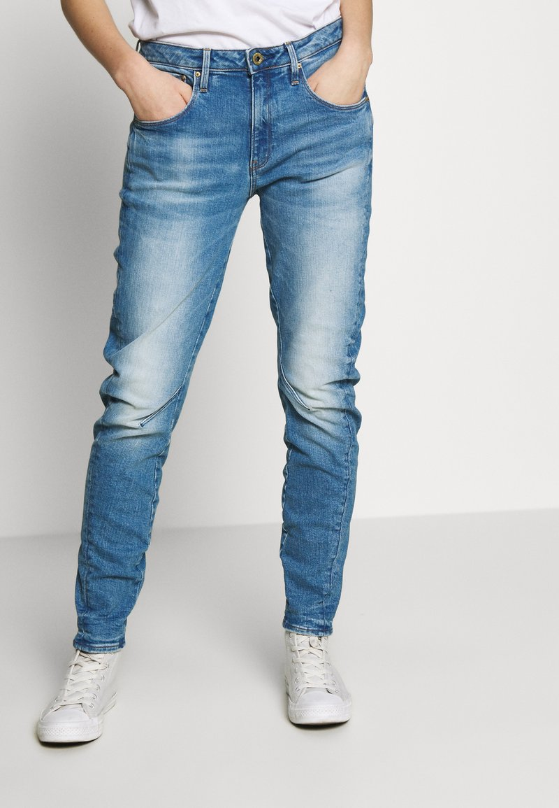 G-Star - ARC 3D LOW BOYFRIEND - Jeans Tapered Fit - azure stretch denim authentic faded blue