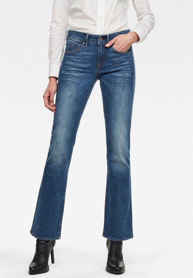 3301 MID BOOTLEG WMN FADED BLUE WOMEN - Jeans bootcut - faded blue