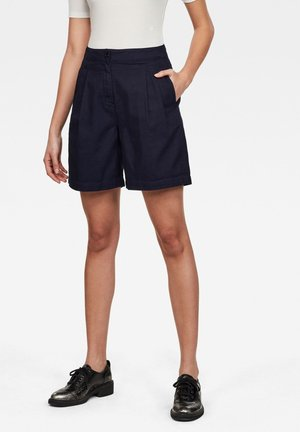 PLEATED HIGH - Shorts - rinsed