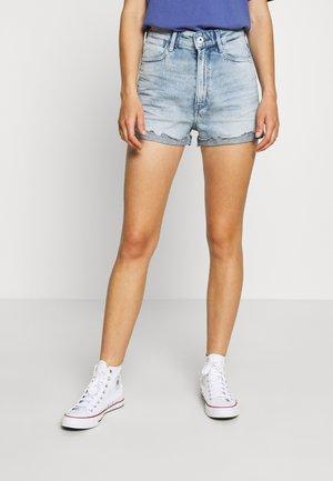 TEDIE ULTRA HIGH WMN - Shorts di jeans - light blue denim
