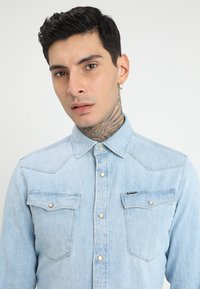 G-Star - 3301 SLIM SHIRT L\S - Skjorta - light aged - 4