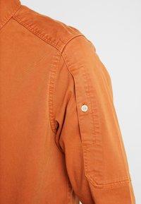 G-Star - STALT STRAIGHT BUTTON DOWN POCKET - Koszula - aged almond - 5