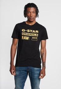 G-Star - GRAPHIC LOGO - Camiseta estampada - dark black - 0
